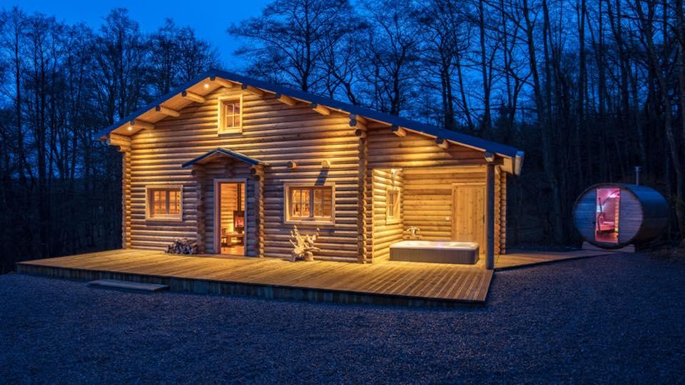 blokhut tuinhuisje an woonchalet en loghuis uit rondhout. Black Bedroom Furniture Sets. Home Design Ideas