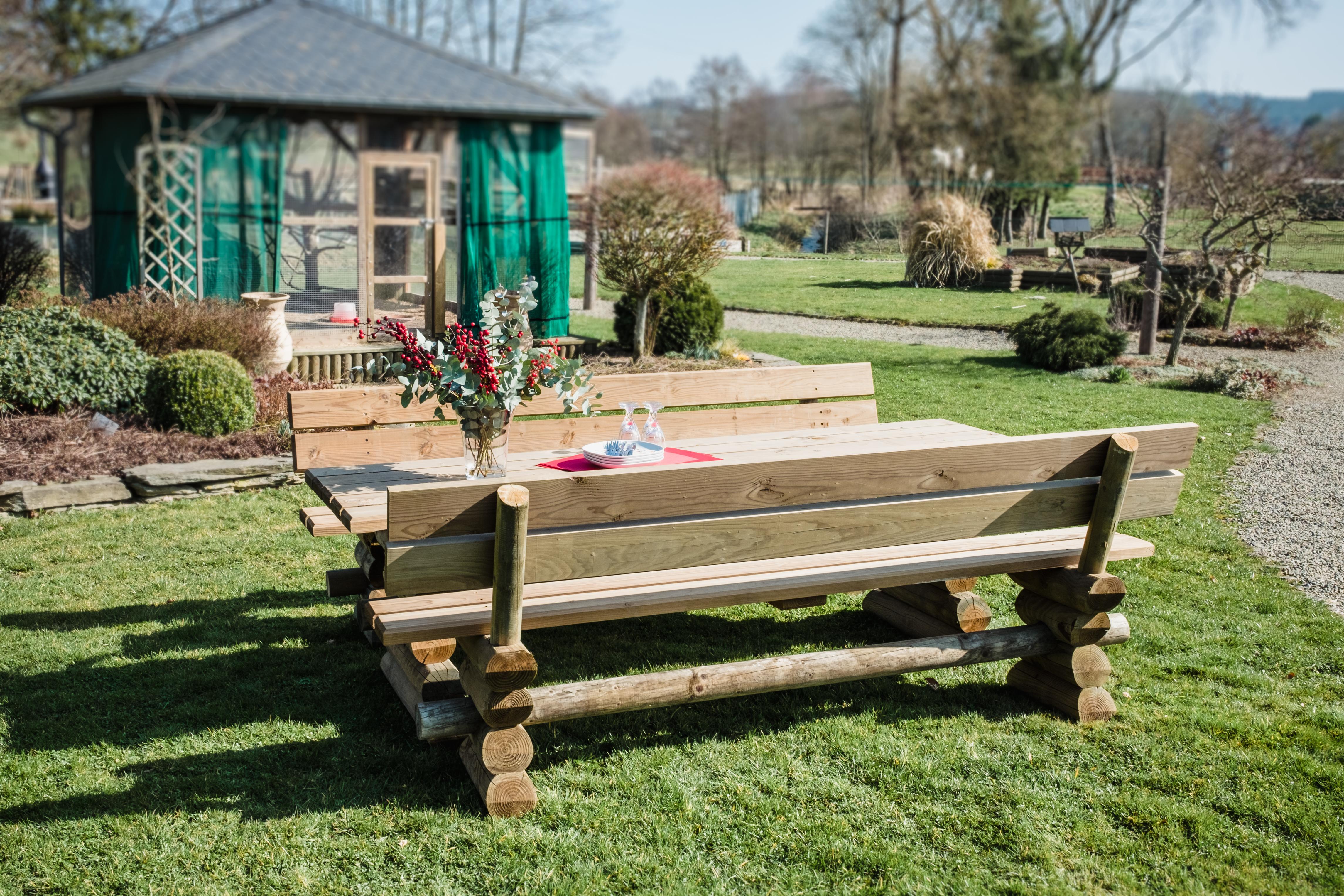 Meuble de jardin en bois - table de jardin en bois traité